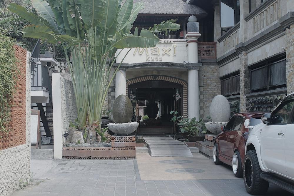 Maxi Hotel & Spa