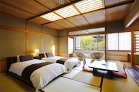 和室 12.5畳 禁煙 ベッド2台+布団1組 バストイレ付 (飛騨牛100g から200g増量ディナ