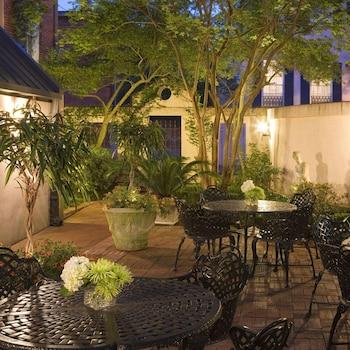 Hotel - The Presidents' Quarters Inn