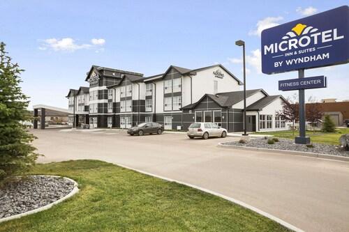 . Microtel Inn & Suites by Wyndham Blackfalds Red Deer North