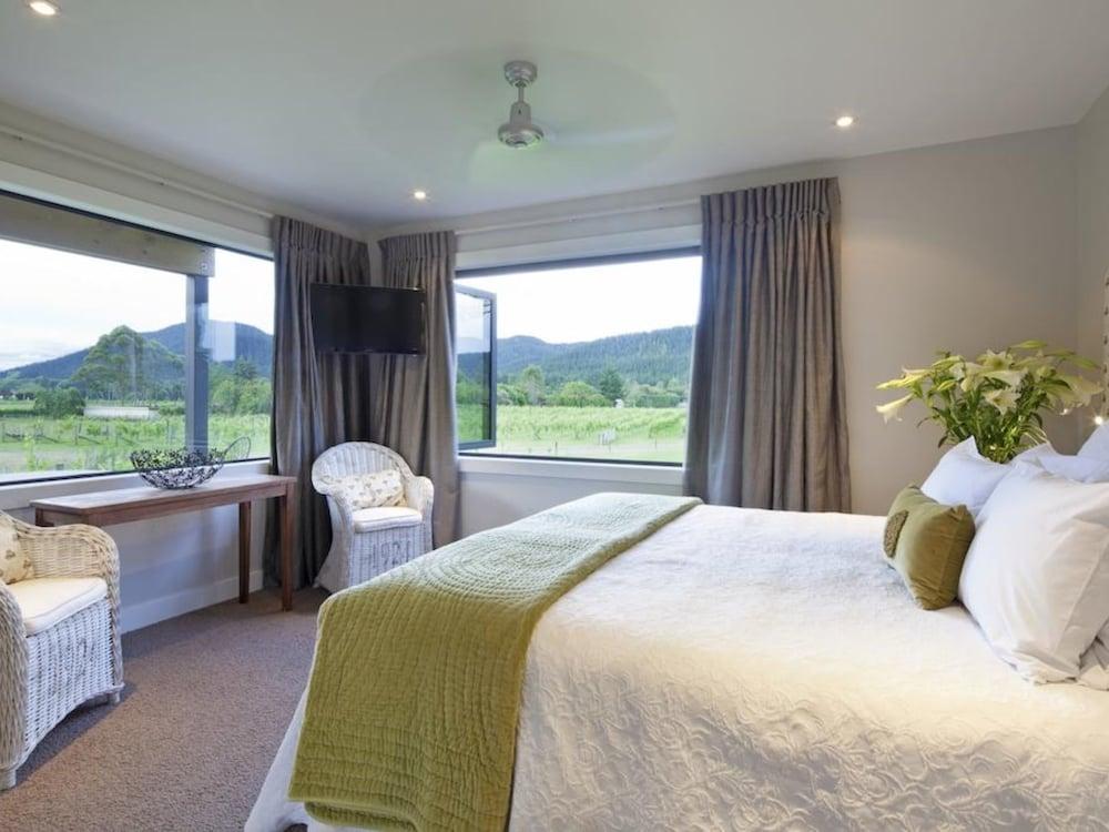 https://i.travelapi.com/hotels/8000000/7130000/7124200/7124135/214a944d_z.jpg