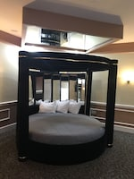 King Round Suite (Fireplace and Jetted Tub) at Inn of the Dove in Cherry Hill