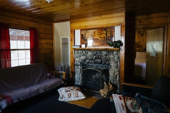 Cabin (Rustic)