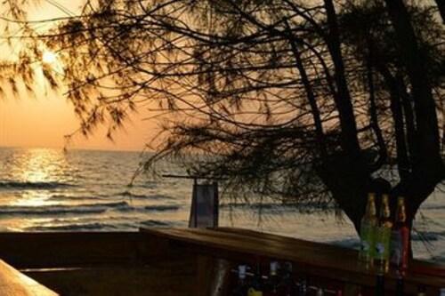Otres Beach Resort, Mittakpheap