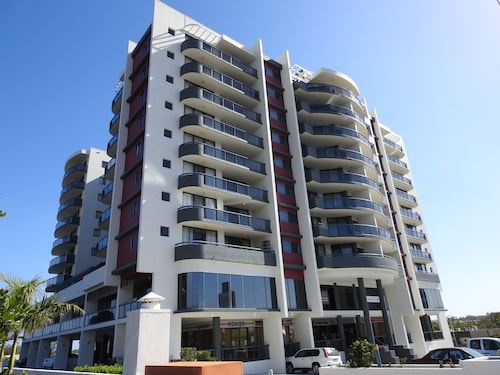 Springwood Tower Apartment Hotel, Springwood