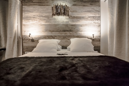 . Rock Noir Design Hotel & Spa