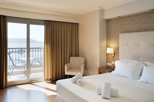 . Karalis City Hotel