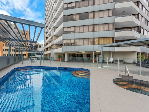 Astor Serviced Apartments, Spring Hill