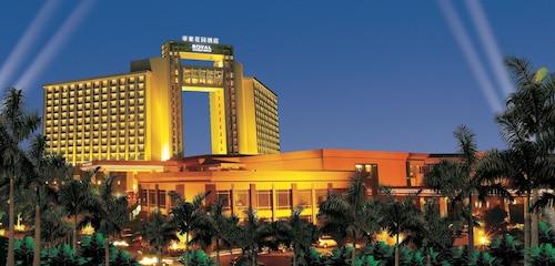 . Royal Garden Hotel