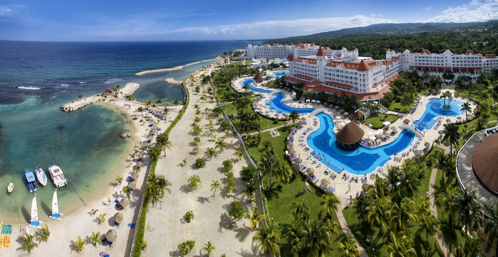 Bahia Principe Luxury Runaway Bay - Adults Only - All Inclusive, Featured Image