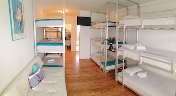 9 Bed Mixed Dormitory Room