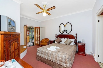 Guestroom at Ettalong Beach Tourist Resort in Ettalong Beach