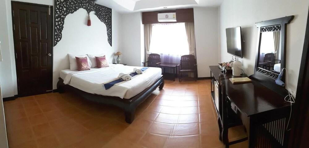 ワンブラパ グランド ホテル