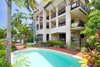 Hotel - The Mediterranean Beachfront Apartments