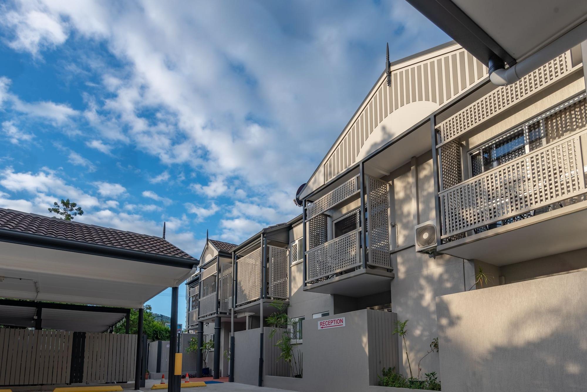 Benson Court Motel, Toowong