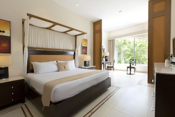 Luxury Suite, Jetted Tub, Garden View