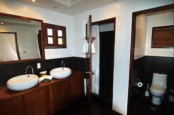 Talima Beach Villas And Dive Resort Mactan Bathroom