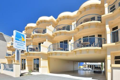 . Shoreline Motel