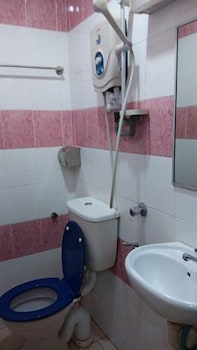 Hotel Traveller - Bathroom  - #0