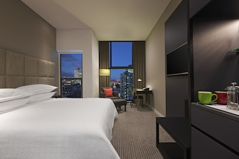 Guestroom at Four Points by Sheraton Brisbane in Brisbane