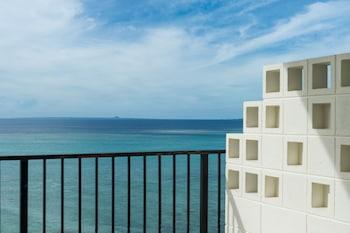 ダブルルーム 禁煙|ホテルモントレ沖縄 スパ & リゾート