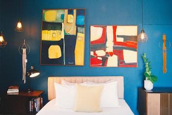Design Suite, 1 King Bed, Terrace