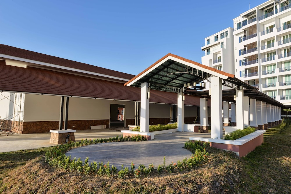 ダヤン ベイ サービスド アパートメント & リゾート