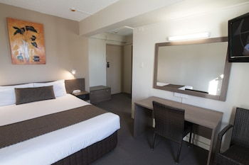 Guestroom at The Metropolitan Spring Hill in Spring Hill