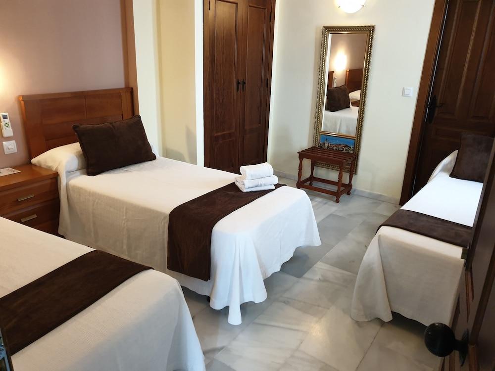 https://i.travelapi.com/hotels/8000000/7300000/7299400/7299339/19e10994_z.jpg