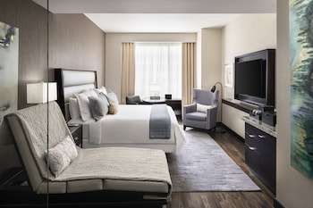 Superior Room, Business Lounge Access, City View