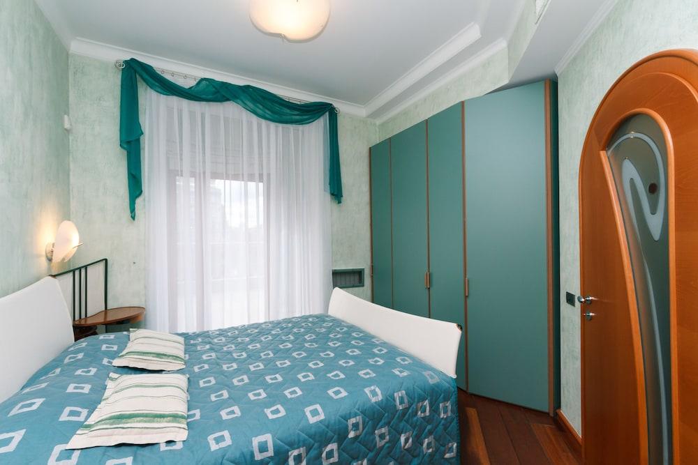 Апартаменты «Алматея»