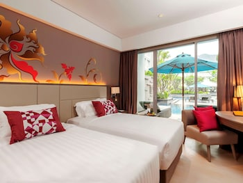 Deluxe Room, 2 Twin Beds, Pool Access