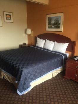 Wyatt Earp Hotel