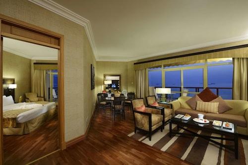 . Atana Khasab Hotel
