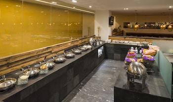 Camino Real Hotel & Suites Puebla - Buffet  - #0