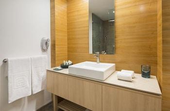 Camino Real Hotel & Suites Puebla - Bathroom  - #0
