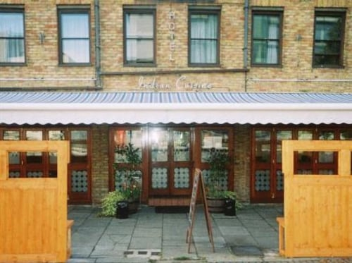 VII Hotel & Indian Restaurant, London