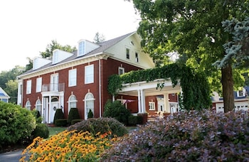 Mountain Laurel Bed and Breakfast