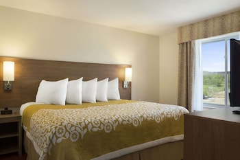 Suite, 1 King Bed, Accessible, Non Smoking (One-Bedroom Suite)