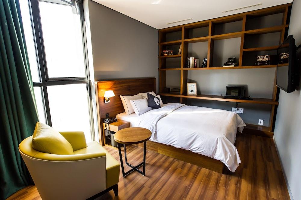 ホテル ザ デザイナーズ チョンノ
