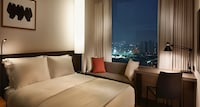 Deluxe Double Room, Park View (Free Multi Charging