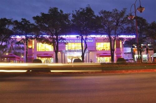 Yasaka Huong Sen Restaurant & Hotel, Tuy Hoa