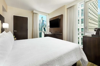 Room, 1 King Bed, Accessible (Hearing, Times Square View)