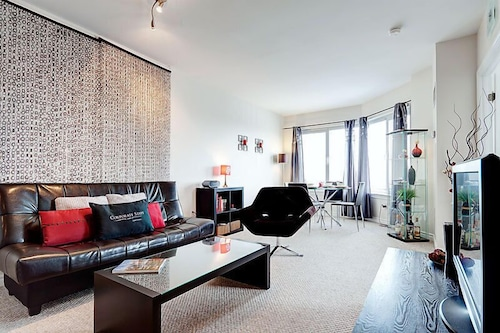 50 Laurier Apartments by CorporateStays, Ottawa