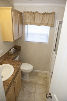 North Lake Estates RV Park - Bathroom  - #0