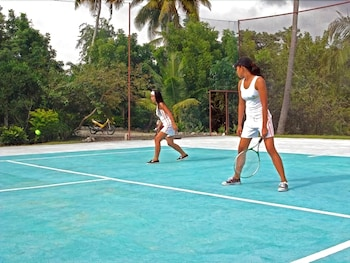 Dolphin House Moalboal Tennis Court