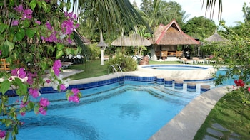 Dolphin House Moalboal Outdoor Pool