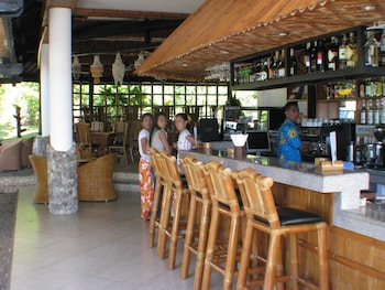 Dolphin House Moalboal Hotel Bar