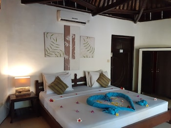 Basic Bungalow, 1 Double Bed, Non Smoking, Garden View