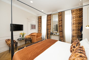 Junior Suite, 1 King Bed, City View